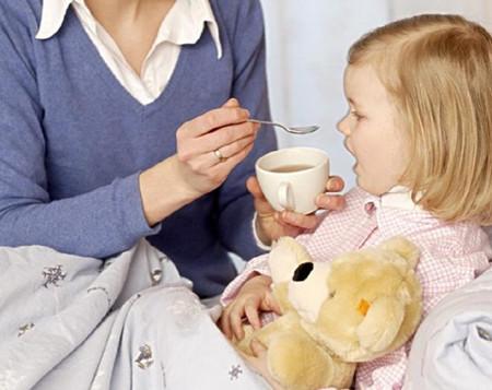 小孩咳嗽吃什么