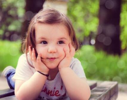 如何刺激宝宝的语言发育 让宝宝早点学会说话