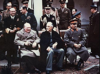苏联是如何被慢慢勒死的?——聊聊冷战中美国的遏制战略