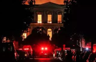 巴西国家博物馆大火 2000万件藏品恐已不保