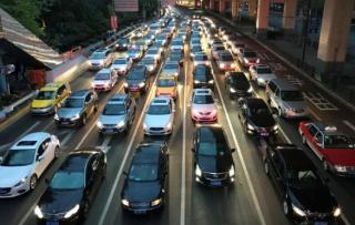 中国政府严控汽车业新增产能寻求行业整合 令车企感到震惊
