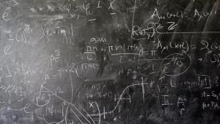 论数学在经济学的应用
