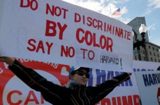 """支持还是反对 华人纠结面对哈佛""""歧视亚裔""""案"""