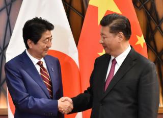 中国和日本,谁在靠近谁?