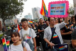台湾向选民提出10个问题,得到了一些意外的答案