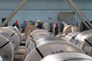 中国钢厂三年来首亏 行业寒冬来袭
