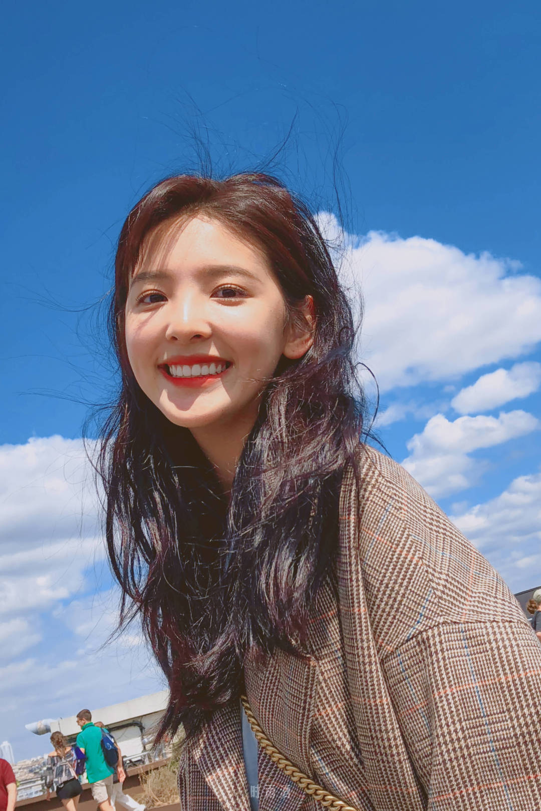 抖音最美小姐姐章若楠高清手机壁纸分享一波 恋爱的感觉