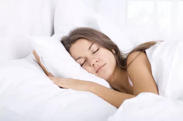 3个专业级快速入睡法