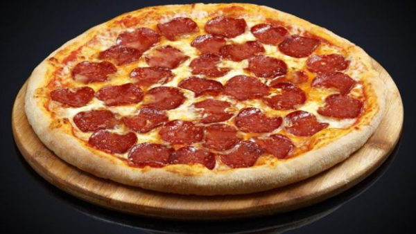 一块100克的冷冻意大利香肠披萨含有1.9克盐