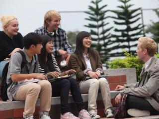 我为什么劝中国孩子初恋之后再留学