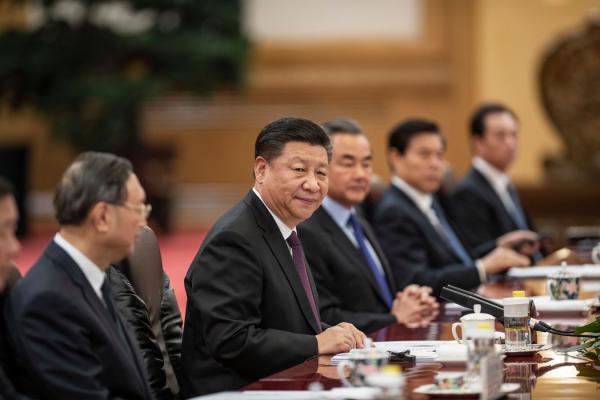 许多政治观察人士认为,中国在习近平的领导下已变得过于强大,但又过于没有安全感,所以不愿容忍妥协,也不愿容忍那种可减轻外国批评的有分寸的做法。