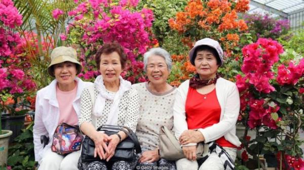 日本的冲绳的百岁老人比例为全世界最高。