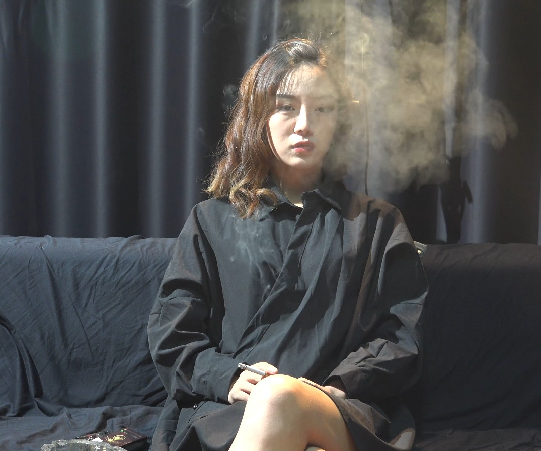 喜欢抽黄鹤楼香烟的小姐姐采访实录