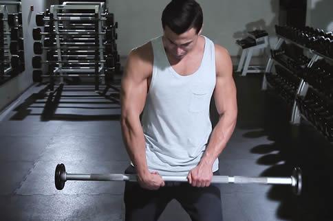 最科学的肱桡肌磨炼行动解说-追梦健身网