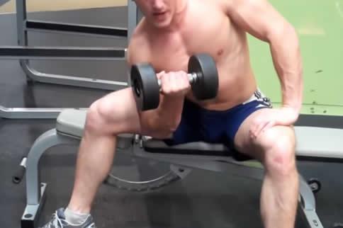 男生怎样磨炼手臂肌肉-追梦健身网