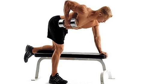 背部肌肉磨炼 单臂哑铃荡舟行动详解-追梦健身网