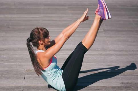 女生常做腹部磨炼有哪些优点-追梦健身网
