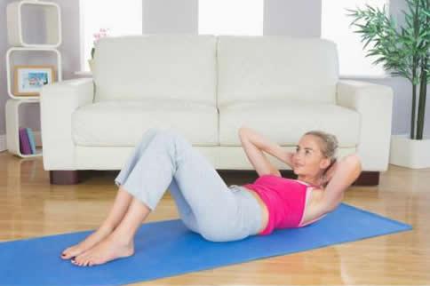 女生腹肌怎样练最有用最科学-追梦健身网