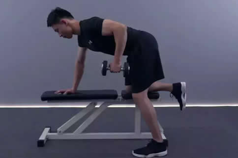 男生怎样磨炼背肌 5个行动轻松炼背肌-追梦健身网