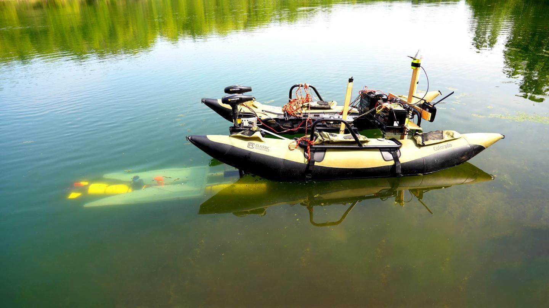 普渡大学为水下机器人创建移动自动对接系统实现电池充电和数据上传