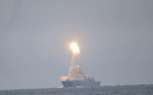 """俄罗斯成功试射""""锆石""""高超音速导弹,发射画面曝光"""