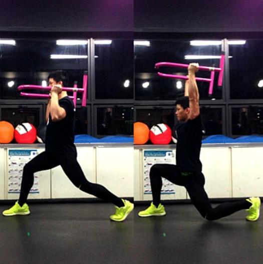 三分钟的双杠轮回练习-追梦健身网
