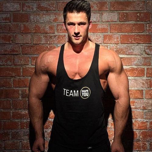 胸肌中缝太宽的锻炼要领-追梦健身网